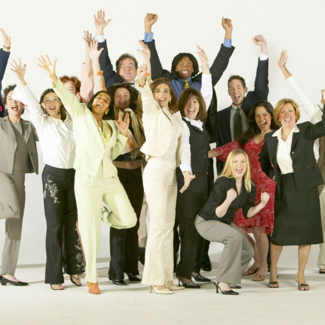 ¡Usando Yeei puedes generar ingresos extra pasando la voz sobre productos y servicios en tus redes sociales!