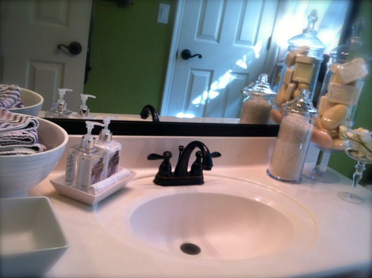 17 best images about bathroom organization on pinterest for Redecorating a small bathroom