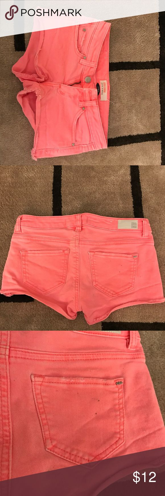 Coral Jean shorts Fairly worn. A couple dotted stains on the back of the shorts as shown on the pictures. Can barely see. Still very cute!!😊 Shorts Jean Shorts