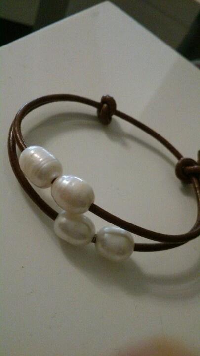 Perlas para pulseras de cuero