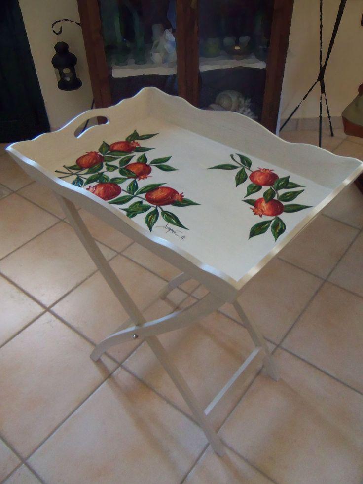 Small table / tray