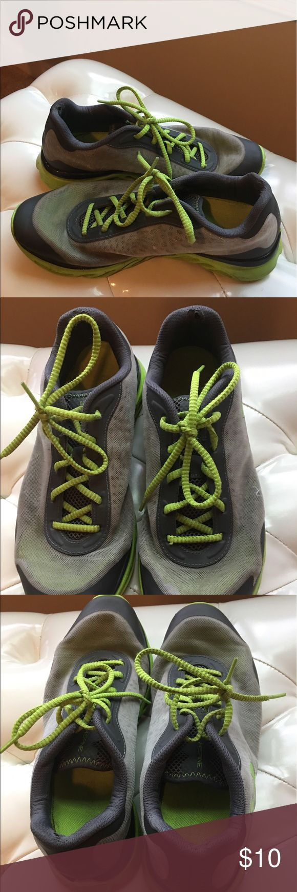 Men's Under Amour Spine Shoes Men's Under Amour Spine Shoes; Fair Condition; reference pictures; you can see the wear on pic 2 but other than it's good; grey and lime green Under Armour Shoes Athletic Shoes