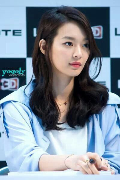 Shin min ah's pink lips and natural wavy midlength hair