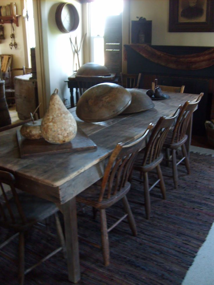 the keeping room dinging table with chairsl - Primitive Kitchen Tables