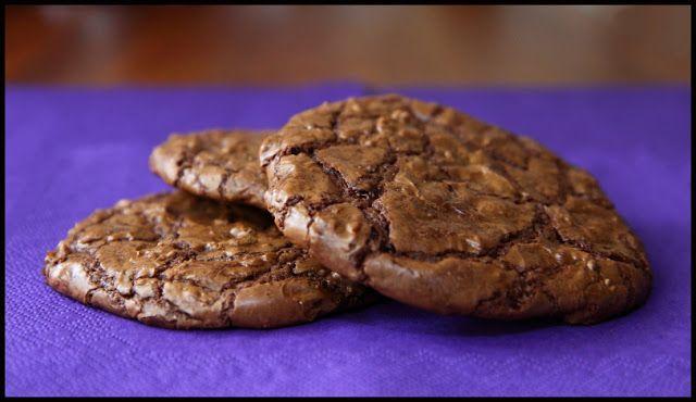 Store, bløde chokoladecookies