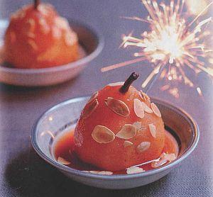 Рождественские десерты: груши в карамельном соусе и глинтвейн