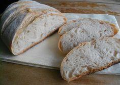 Molte ragazze mi hanno chiesto se postassi in blog la ricetta del pane toscano. Beh, prima di accingermi nella preparazione, ho studiato un po' il R