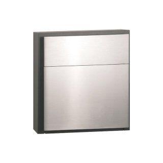 Serafini Briefkasten Line One - Heben Sie sich von der Masse ab. Mit seinem minimalistischen Design ist er ein Blickfang in jeder Nachbarschaft. Die Kombination aus Edelstahl und schwarz strukturbeschichtetem Stahl gibt ihm eine besonders elegante Note.