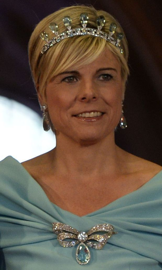 Aquamarine tiara of Queen Julianne of Netherlands and famous diamond Stuart in the brooch. Wearing by Princess Laurentine.