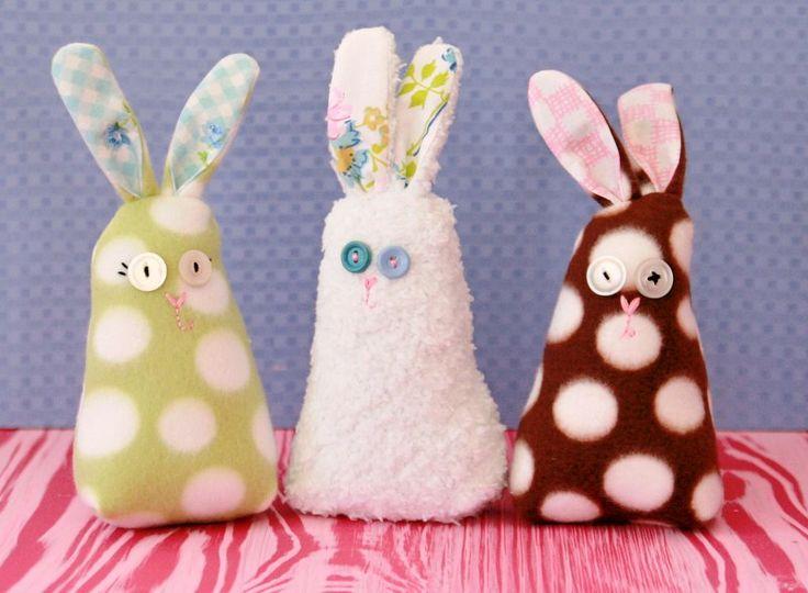 Sweet bunny, found on : http://www.mysocalledcraftylife.com/2013/03/14/sweet-bunny/