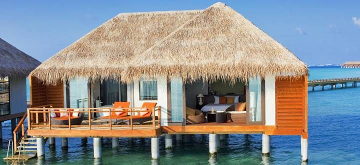 Located on its own coral island soaked in year-round sunshine http://www.abercrombiekent.co.uk/maldives/velassaru.cfm