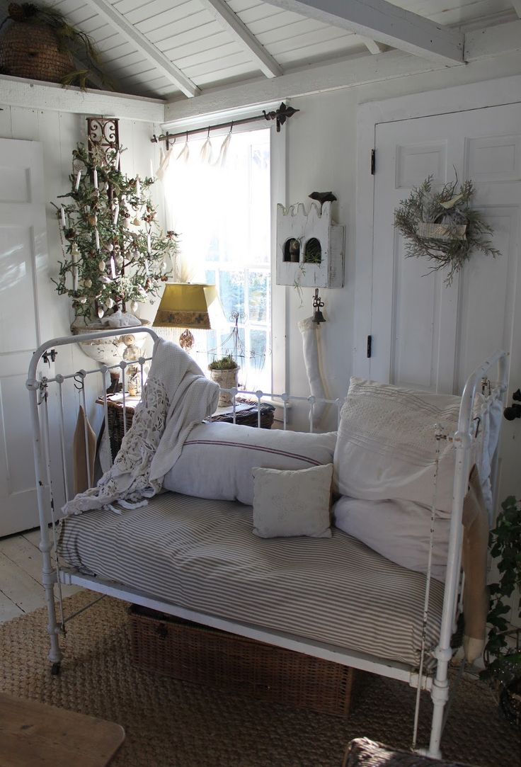 Emma iron crib for sale - Love The Vintage Cottage Look