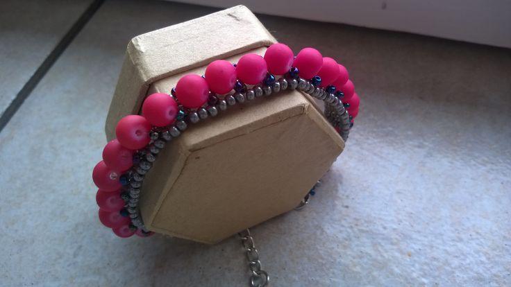Bracelet for a 9yo girl, it is really fast to make it :)  (thx for the pattern! http://www.pearl-mania.blogspot.hu/2014/07/az-elozo-bejegyzesemben-talalhato.html)