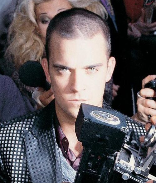 Robbie Williams, shaved head edition