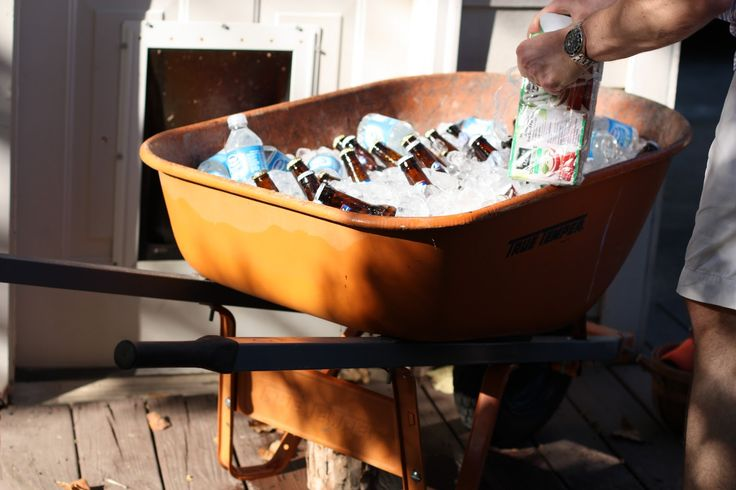 Peter Rabbit Party - Wheelbarrow for drinks