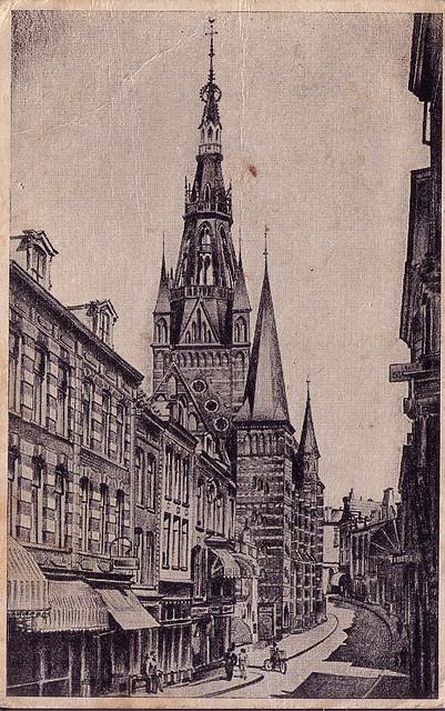 Nijmegen 1946  Bloemerstraat Augustijnenstraat met Carmelkerk