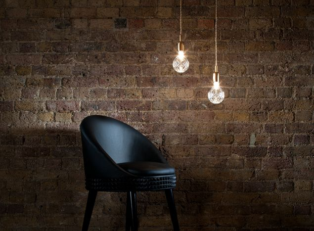 Exposed bulb pendant lighting is a trend, the Crystal Bulb lighting by Lee Broom is something special...