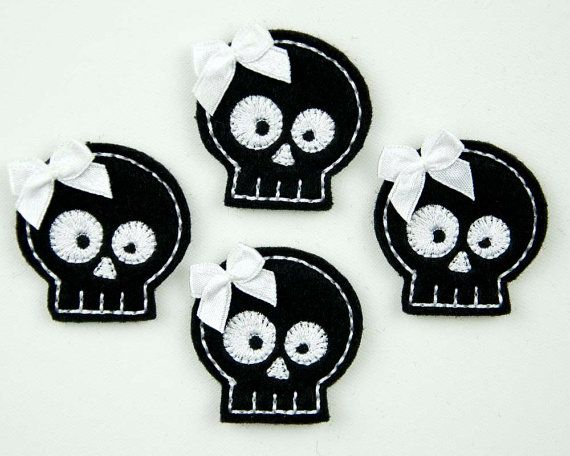 SKULL - Embroidered Felt Embellishments / Appliques - Black & White  (Qnty of 4) SCF3070
