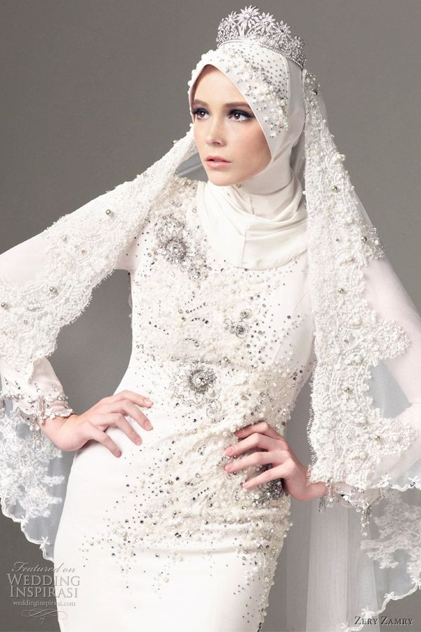 wow! muslim wedding dress? cool! :D