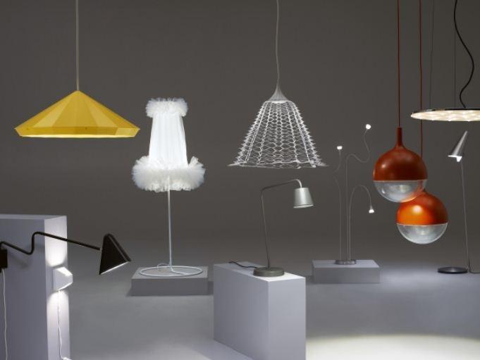 Οι λαμπτήρες LED είναι οι πιο βιώσιμες πηγές φωτός στην αγορά. Στην ΙΚΕΑ θα βρείτε λαμπτήρες LED για να αντικαταστήσετε τους συμβατικούς σας λαμπτήρες πυρακτώσεως, αλλά και πολλά φωτιστικά με ενσωματωμένους λαμπτήρες LED.