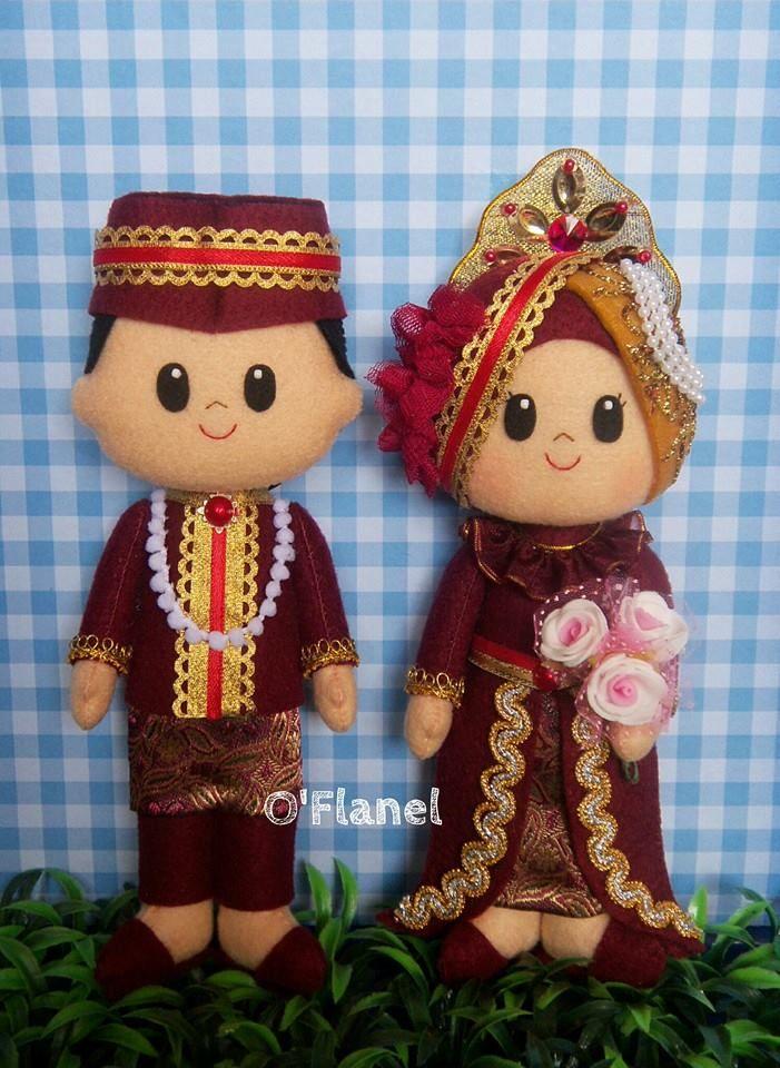 musim bride groom felt doll, Indonesia