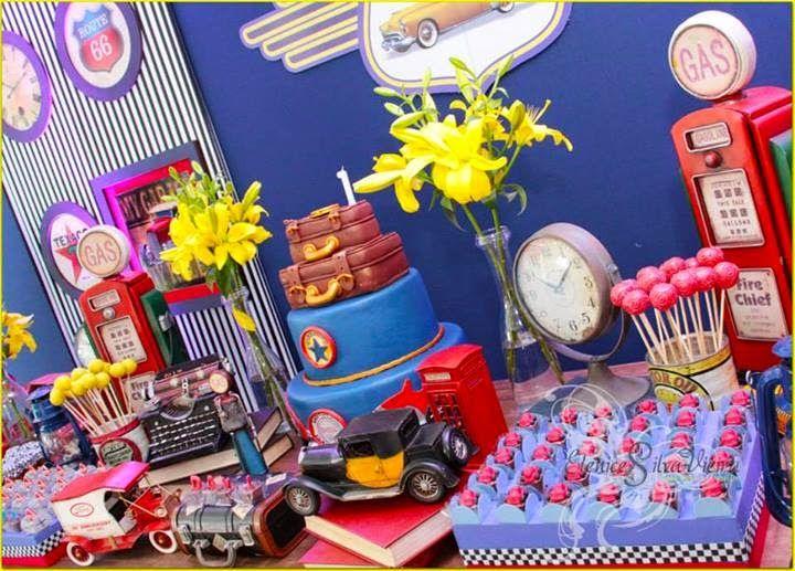 festa-carros-antigos-festa-menino-convite-personalizado-carro-menino-lembrancinhas-carros-menino-festa-carro-antigo-chique-menino-festa-chique-menino-carros-convite-lembrancinhas-cabine-telefonica.jpg (720×517)