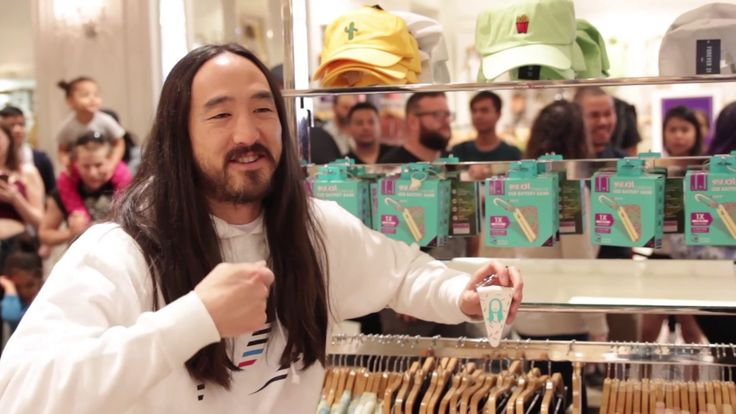 "Steve Aoki X BUQU @ Forever 21 Meet and Greet  The Steve Aoki ""Cake Me"" Battery Bank from BUQU is now available at Forever 21!!!!   You can have your cake and charge it too with this Steve Aoki designed cake slice power bank. It provides the ultimate smartphone sugar rush by giving you a complete charge with most smartphones. The Steve Aoki Cake Me power bank is great for keeping your phone charged up all day music festivals! Clip it where you want it so it's there when you need it.   Steve…"