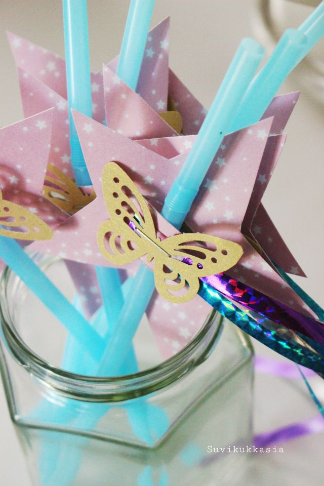 Suvikukkasia: Koristele pilli!  diy, paper, decoration, kids, party, idea, birthday, star, butterfly