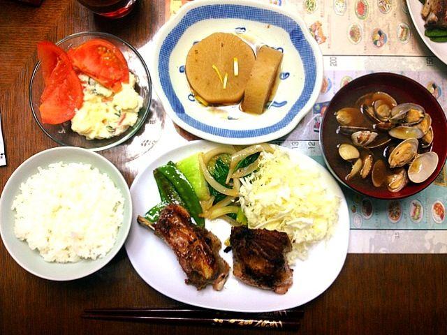 スペアリブは和食じゃないか… - 22件のもぐもぐ - スペアリブ・野菜炒め・ポテトサラダ・煮大根・あさり汁 by nays