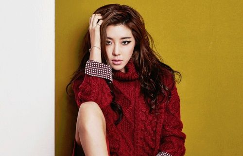 Park Han Byul has great versatility in the November issue of InStyle [More Image] >> http://kpopselfie.blogspot.com/2015/11/park-han-byul-has-great-versatility-in.html
