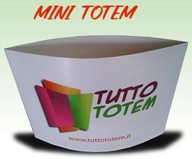Mini totem, formato A3, A4, stampa bifacciale in quadricromia, apertura veloce.