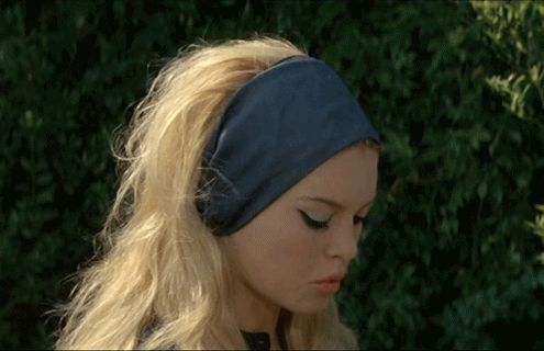 Brigitte Bardot in Le Mepris. Now that's how you wear a head-band!