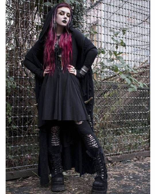 Pin By My Humble Hut On Drawing Inspirations: Fashion Inspo, Fashion, Goth Women