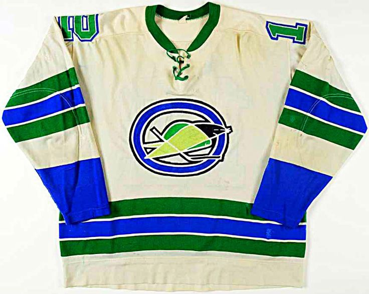 Not many of these around: 1967 game-worn road jersey of the Oakland Seals. Pretty cool.(Media Tweets by Howard Berger (@Berger_BYTES) | Twitter)