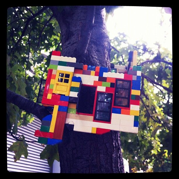 coolhunting lego treehouse street art on 24th St in Chelsea, NYC: York Cities, Chelsea Art, Tree Houses, Lego Treehouse, York Life, Street Art, Treehouse Street, Trees House, Public Art