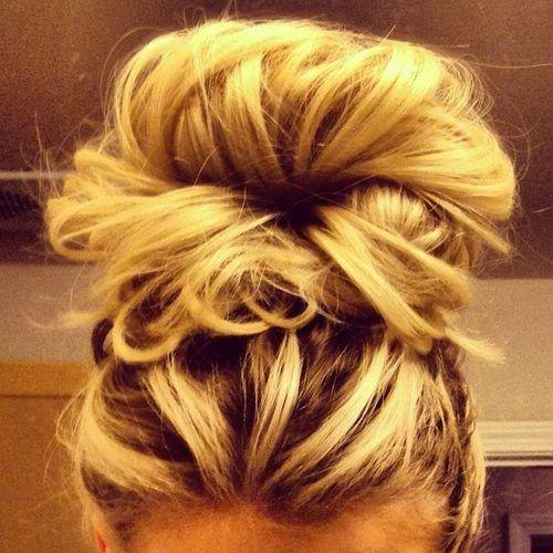 Bun: Hair Beautiful, Hair Colors, High Buns, Long Hair, Messy Buns, Hairstyle, Hair Style, High Ponies, Big Buns