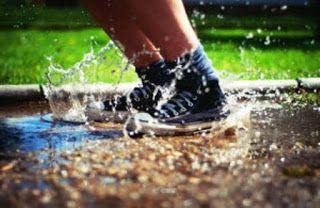 [Tips] Agar Sepatu Basah Cepat Kering Di Musim Hujan