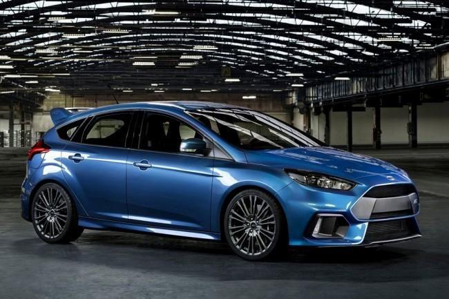 """Ford Focus RS (2015-2016). Ford Focus RS (2015-2016) – """"заряженный"""" хэтчбек на базе модели Форд Фокус 3 поколения. Официальная презентация новинки прошла в феврале 2015-го, а мировая премьера Форд ..."""