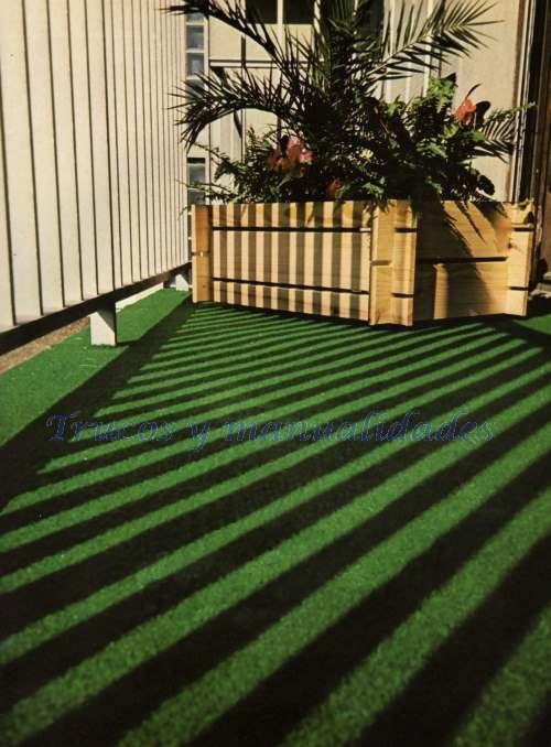Un falso cesped a toda prueva. ¿Por qué no ha de ser posible un prado artificial para su disfrute en un balcón o una terraza? En el mercado pueden hallarse