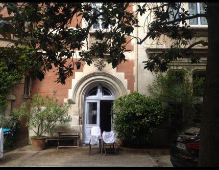 Valeur immobiliere 223Ke sur le boncoin: https://www.leboncoin.fr/ventes_immobilieres/1012487444.htm?ca=16_s