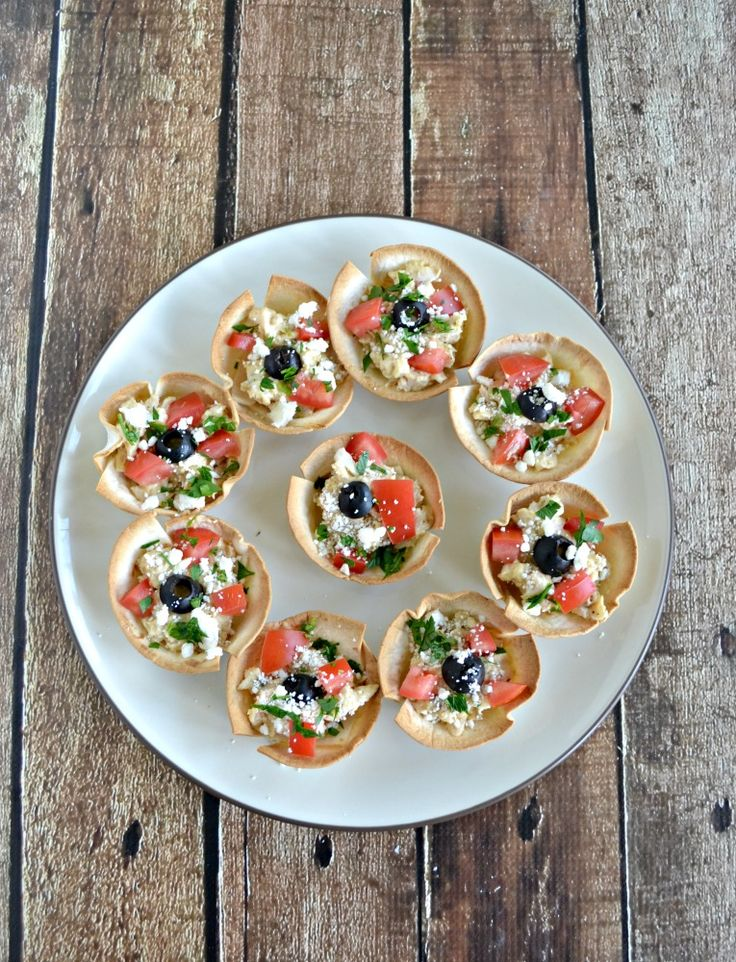 Need an easy snack before dinner? Check out this Greek Hummus Chicken Bites recipe