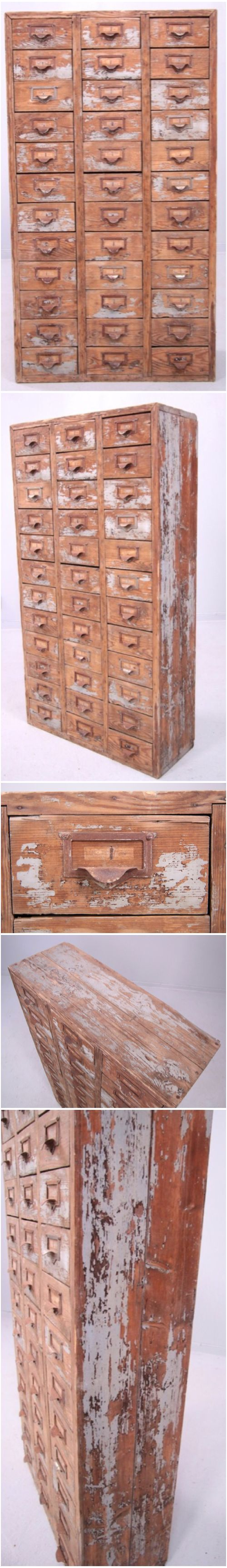 There is a dressing table mirror and lockers and drawersgalore - Http Web Lindeauktioner Com Auktion Objekt Asp