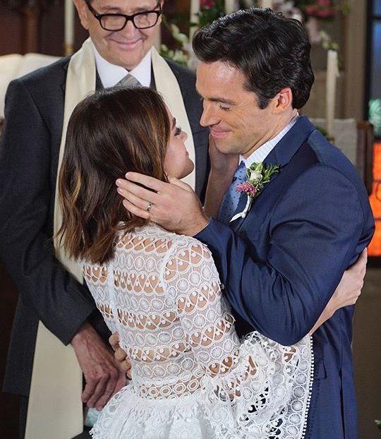 OMG, Ezria is getting married!!