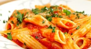 Penne amatriciana with fresh tomatoes