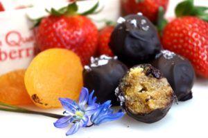 Kardemummatryfflar med mörk choklad och flingsalt
