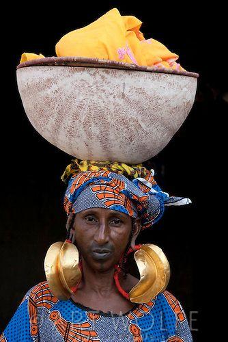Africa | Fulani woman in Mali | ©Art Wolfe