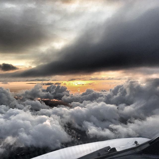 Reposting @benwhitworth: Clouds at Sunset. #clouds #sunset #iphonephotography #aviation #flying #avgeek #pilotlife #aviationphotography