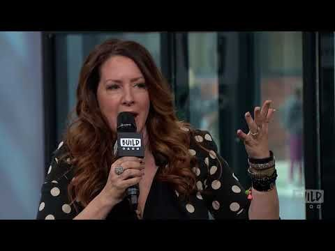 "Joely Fisher Discusses Speaks On Her Memoir, ""Growing Up Fisher"""