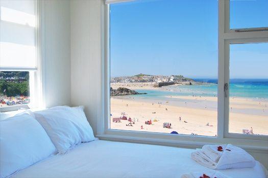 beach front bedroom Porthminster St. Ives..