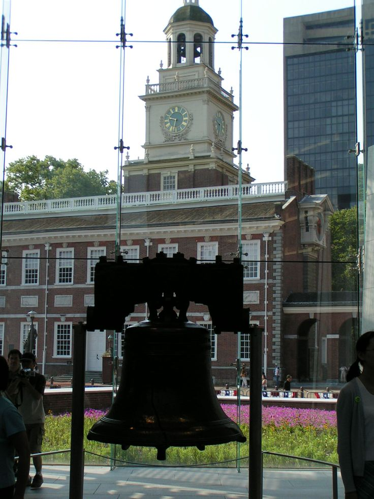 Liberty Bell and Independence Hall (UNESCO World Heritage Site), Pennsylvania - The Declaration of Independence (1776) and the Constitution of the United States (1787) were both signed in this building in Philadelphia.